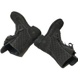Chanel-Bottes à lacets-Gris
