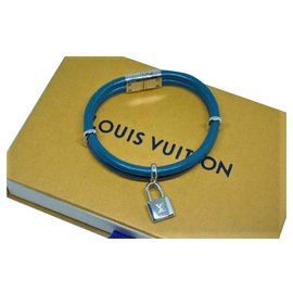 "Louis Vuitton-Bracelet ""Lockit"" Louis Vuitton en Cuir Bleu et accastillage en Palladium-Bleu"