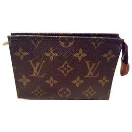 Louis Vuitton-Petite trousse de toilette Vuitton 15 cm-Autre