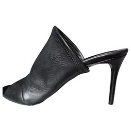 Balenciaga-Mules-Black