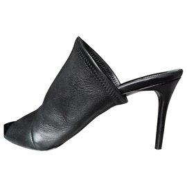 Balenciaga-Mules-Noir