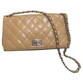 Chanel-2.55-Beige