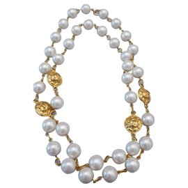 Chanel-Vintage necklace Chanel gold plated pearl-Golden,Eggshell