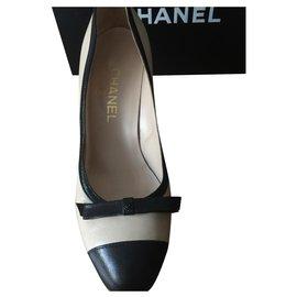 Chanel-Talons-Noir,Beige
