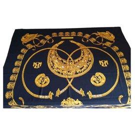 Hermès-Châle Hermès « Les Cavaliers D'or »-Noir,Doré