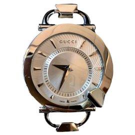 dda63edc484 Montres Gucci occasion - Joli Closet