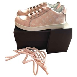 Louis Vuitton-Sneakers-Pink