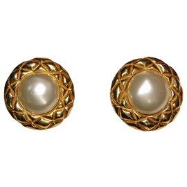 Chanel-Boucle d'oreilles clip CHANEL-Doré