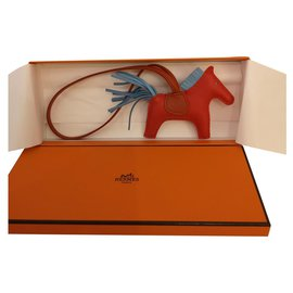 Hermès-Rodéo charmm PM-Rouge