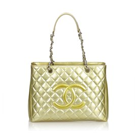Chanel-Grand sac cabas en cuir verni-Doré