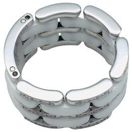 """Chanel-Bague Chanel, modèle """"Ultra"""", en or blanc, céramique blanche et diamants.-Autre"""