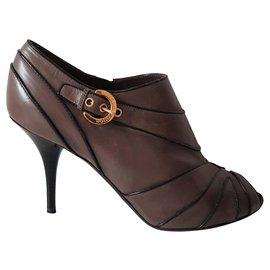 Louis Vuitton-Louis Vuitton leather ankle boots-Grey