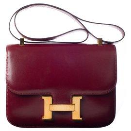 9a9fbc2fa5f Hermès-Superbe Hermès Constance en cuir box bordeaux en très bon état !