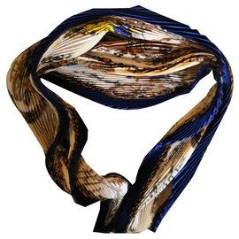 Hermès-Fabuleux carré Plissé Hermès décors Ledoux-Marron,Bleu,Blanc cassé