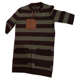 Louis Vuitton-Outfits-Mehrfarben