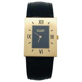 Van Cleef & Arpels-Montre Van Cleef & Arpels et Piaget en or jaune, cuir.-Autre