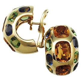 """Chanel-Boucles d'oreilles Chanel, modèle """"Coco"""", or jaunes et pierres fines.-Autre"""
