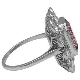 inconnue-Bague à entourage en platine, diamants et tourmaline rose.-Autre