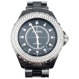 Chanel-Montre Chanel J12 sertie de diamants.-Autre
