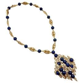 Autre Marque-Parure Mellerio en or jaune, lapis lazuli et diamants.-Autre