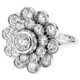 inconnue-White gold daisy ring, diamants.-Other