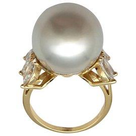inconnue-Bague en or jaune sertie d'une perle de culture d'Australie et de diamants navette.-Autre