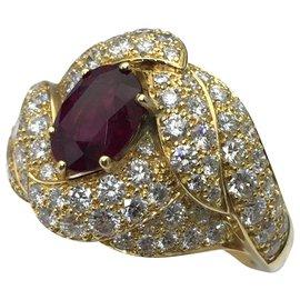 Boucheron-Bague Boucheron en or jaune, diamants et rubis.-Autre