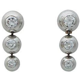 """Cartier-Boucles d'oreilles Cartier, """"Perles de diamants"""", en or blanc, diamants.-Autre"""