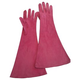 Chanel-Gloves-Fuschia