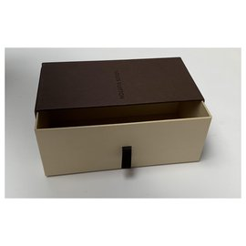 Louis Vuitton-Lot de boites en carton Louis Vuitton toutes tailles-Marron