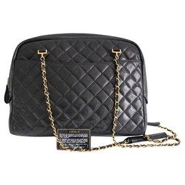 Chanel-Caméra-Noir