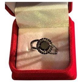Diamstars-Bague neuve en Or Blanc 18K et un splendide Diamant Noir rond de 1,90cts( diamètre:7mm)-Noir