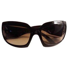Chanel-Des lunettes de soleil-Blanc,Autre