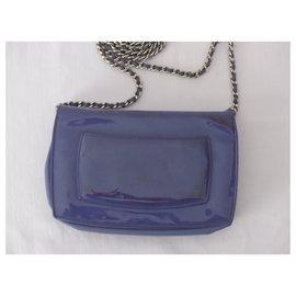 Chanel-Pochettes-Bleu