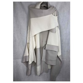 Burberry-NATURAL WHITE PATCHWORK KNITTED PONCHO TAG 2295€-White,Eggshell