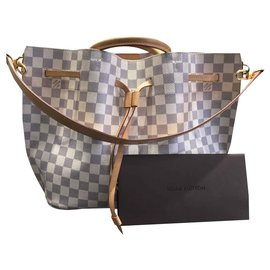 Louis Vuitton-Girolata-Autre