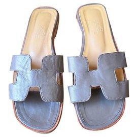 Hermès-Beautiful Oran Hermès mules sandals-Taupe