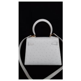 Hermès-Hermès sac à main Mini Kelly 20 cm Autruche et bijouterie dorée-Blanc