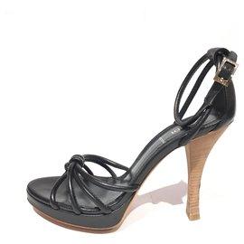 Fendi-Fendi Black Leather Sandal-Black