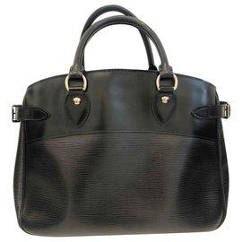 Louis Vuitton-Epi Leather Passy PM-Black
