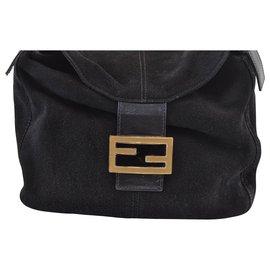 Fendi-Fendi Vintage Shoulder Bag-Black