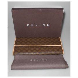 Céline-Wallets-Brown