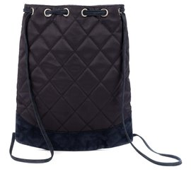 Chanel-Chanel backpack in satin and navy suede, Chanel logo in pearls, good condition !-Navy blue