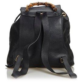 Gucci-Gucci Sac à dos à cordon en cuir de bambou noir-Noir