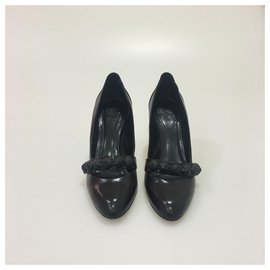 Burberry-Burberry Black Medallion Pump-Black