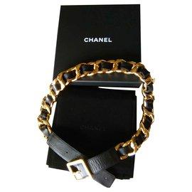 Chanel-CHANEL Ceinture en cuir à boucle dorée-Noir,Doré