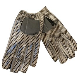 Chanel-Gloves-Silvery