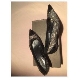 Louis Vuitton-Talons-Noir,Gris