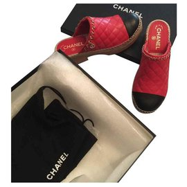 Chanel-Clogs-Red