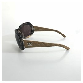 Chanel-Chanel Brown Butterfly Quilted Sunglasses-Brown,Dark brown